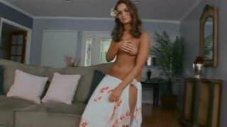 Troia brasiliana al suo primo video porno