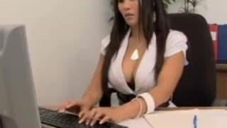 Lei si fa scopare dal boss