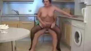 Una nonna che ama farsi sfondare