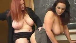 Un dildo per due lesbiche