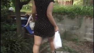 Sesso all'aperto con una donna incinta