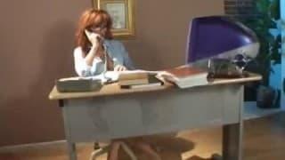 Questa segretaria adora la sborra