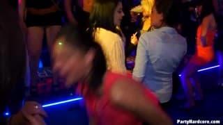 Un'altro video in un locale notturno
