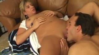 Un'infermiera molto eccitata!