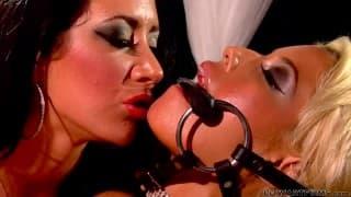 Bridgette B e Jayden James, due donne che amano il sesso lesbo
