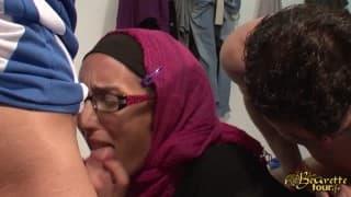 Doppia penetrazione per un'araba golosa