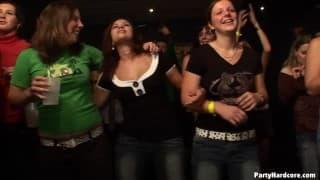 Orgia pazzesca in un club!