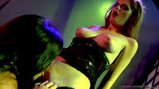 Alyssa Reece e Faye Reagan in video lesbo