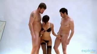Jasmine Arabia e due uomini