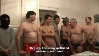Amiche scopate da 80 uomini