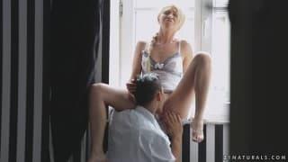 Lindsey Olsen scopata da un feticismo del piede