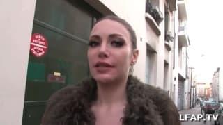 Francese MILF succhia il cazzo