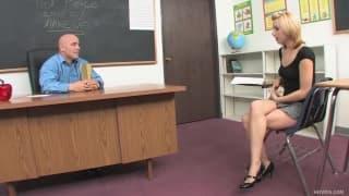 Lexi Belle - Una studentessa sul tavolo