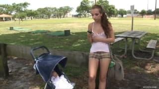 Sophia Sutra- Una studentessa che arriva per ottenere una scopata