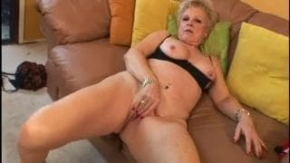Bionda matura per un po' di buon sesso