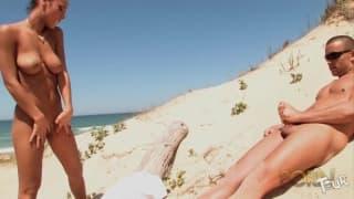 Jade Laroche fanno sesso in spiaggia