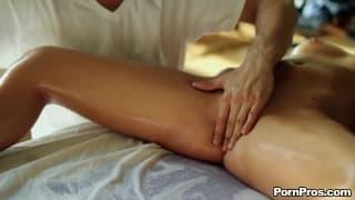 Alexis Adams la grande stella di questo video di Pornpros !