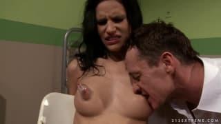 BDSM hard con la bella Amanda Baby
