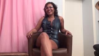 Fiona - Una latina matura per il suo primo film porno