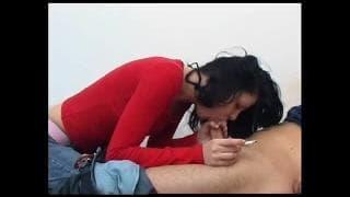 Jana fuma mentre scopa con il suo uomo
