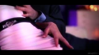 Jess West gode di una scena di sesso super-erotica