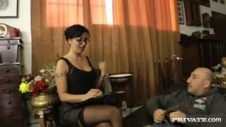 Asia Morante è una psichiatra molto sexy