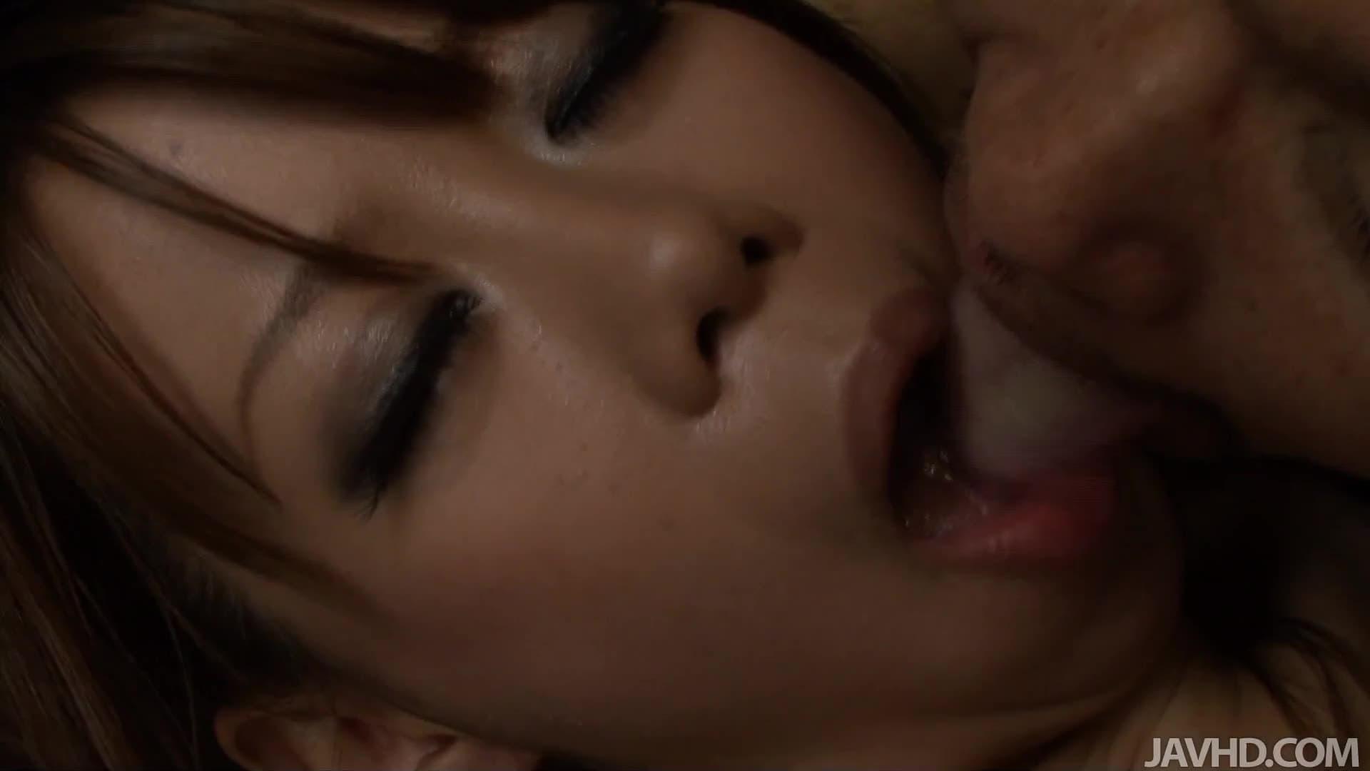 Scegli per Candy Love nude in una selezione incredibile di video porno hard GRATIS.