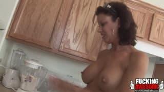 Vanessa Videl una matura amante dei frullati