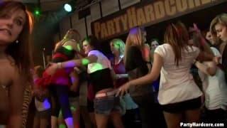 Partyhardcore con un altro video selvaggio