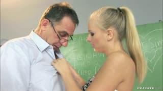 Barbie White è innamorata del suo vecchio prof