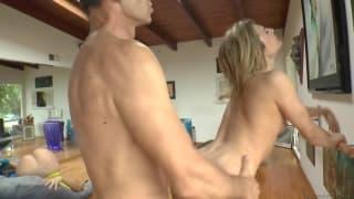 Un trio caldo con un sacco di sesso anale