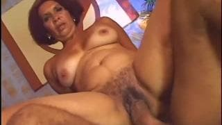 Pamella Brasil latina matura che si diverte