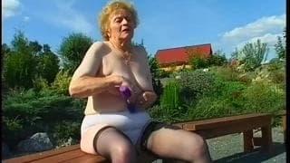 Miroslava è una nonna che ama il sesso