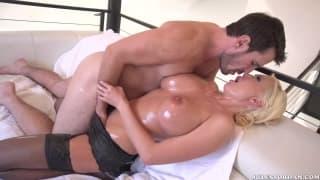 Manuel Ferrara lo infila a Summer Brielle