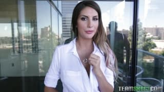 August Ames ci mostra le sue tettone
