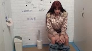 Sophia troietta pronta per un gloryhole