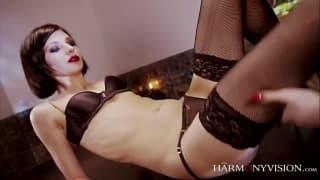 La bella Erica Fontes e Arian in un porno