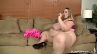 Mandy Majestic pornostar grassa e sexy