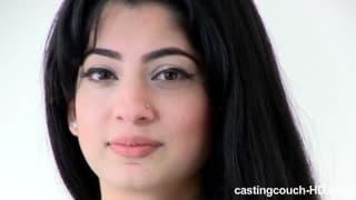 Ecco una ragazza araba a un casting porno