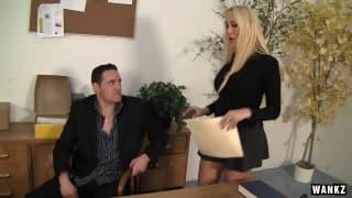 Alana Evans una segretaria super sexy