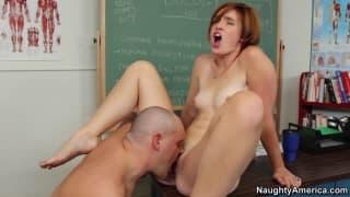 Jodi Tyalor e Alec Knight a scuola