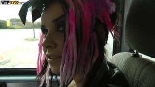 Wendy Moon si fa inculare in un furgone
