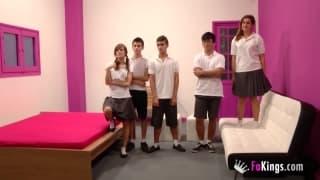 Una gran bella orgia tra studenti