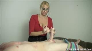 Una scena di massaggio al +pisello