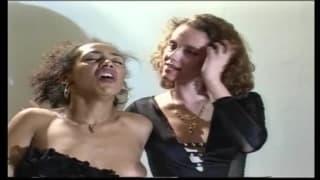 Un bel video di trio interrazziale