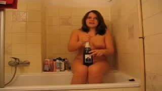 Masturbarsi con uno shampoo