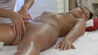 Massaggio e sesso lesbo