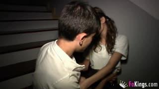 Giovane spagnola ingaggiata per strada