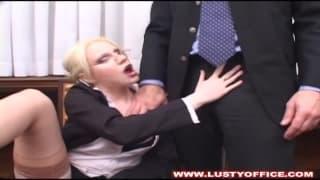 Marilyn vuole scopare in ufficio