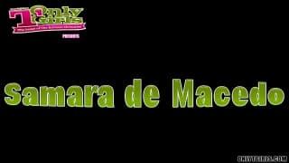 Samara de Macedo si masturba all'aperto